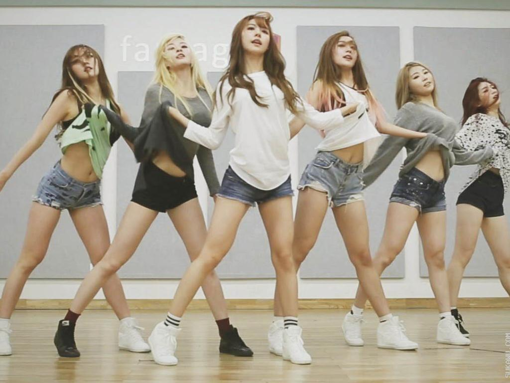 Belajar K-Pop Dance ala Boy/Girl Band Korea