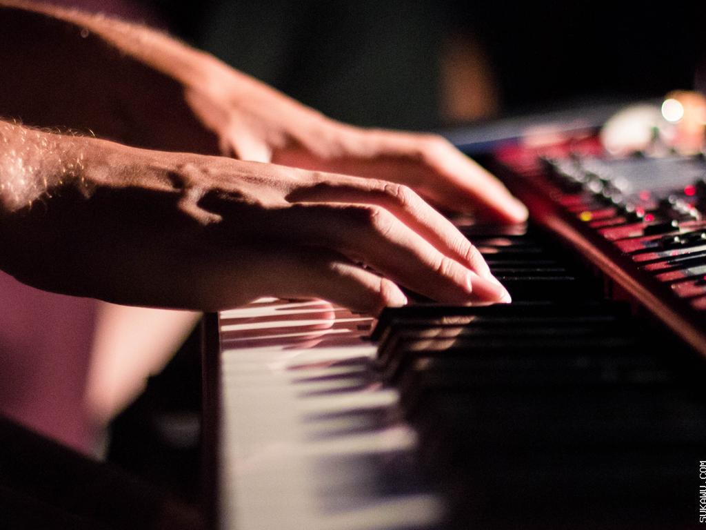 Belajar Dasar Bermain Keyboard (Yamaha)