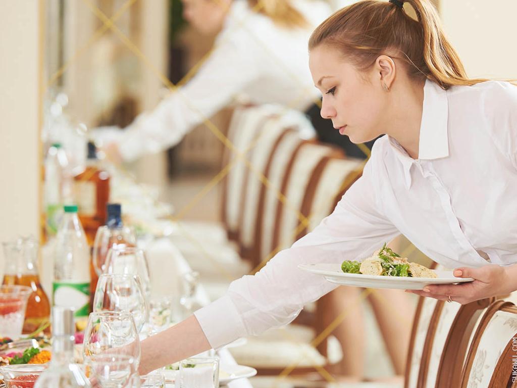 Pelatihan Food & Beverage Service