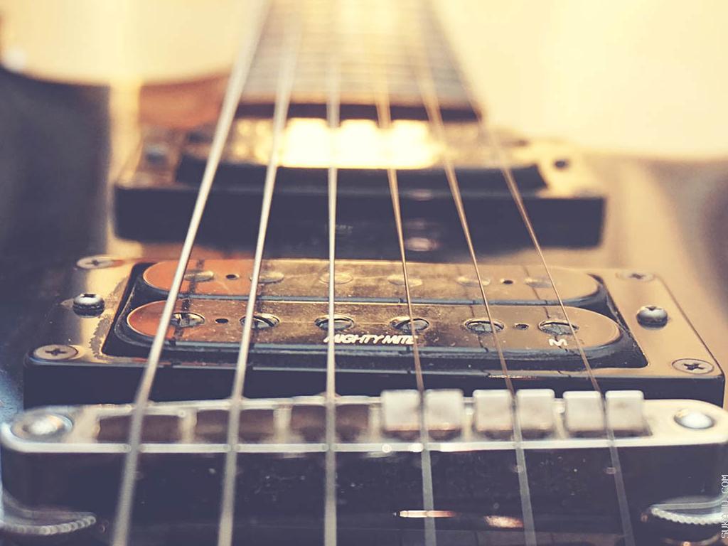 Belajar Teknik Dasar Gitar Elektrik