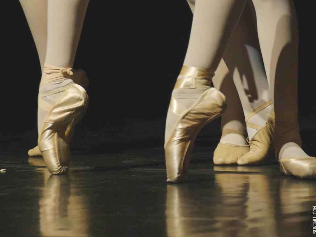 Kelas Ballet oleh Taufik Hidayat Arena