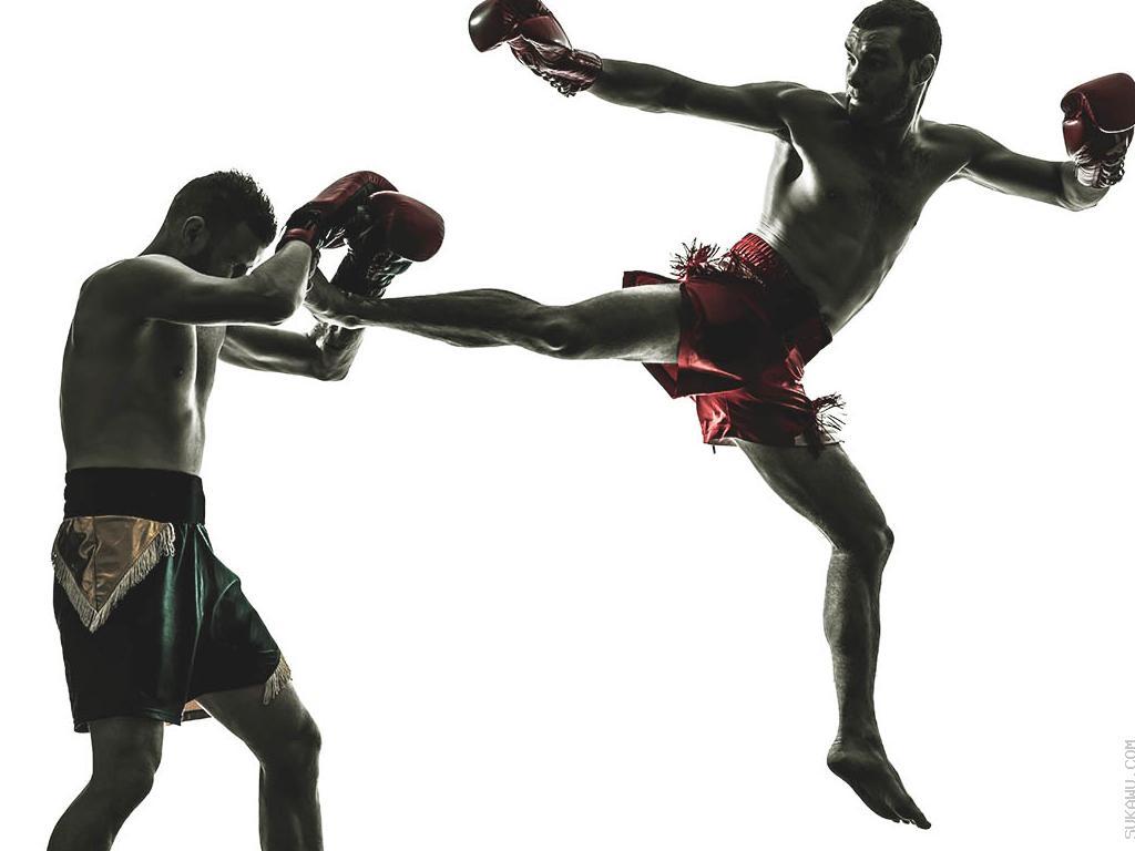 Kelas Muay Thai: Latihan Berkelompok 1 Tahun