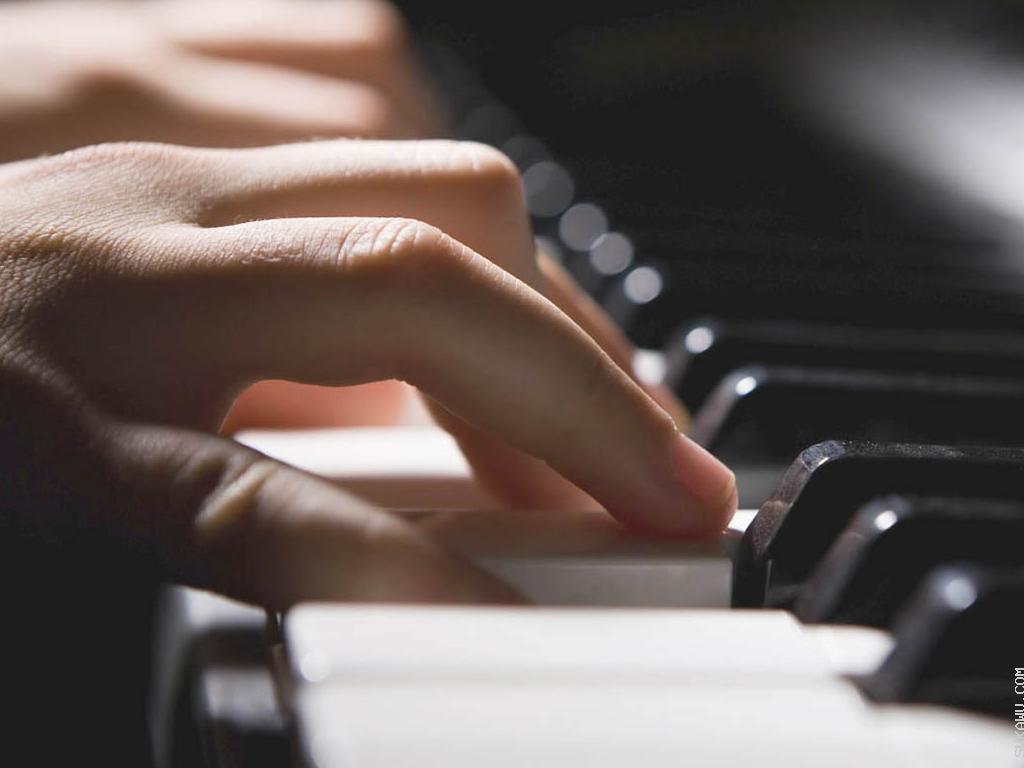 Belajar Piano dengan Ekspresi & Interpretasi