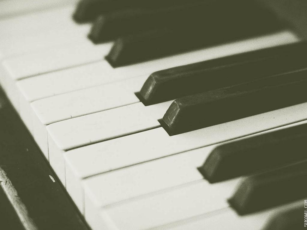 Bermain Musik Piano Genre Klasik